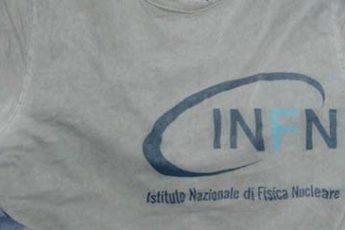 scritta su maglietta
