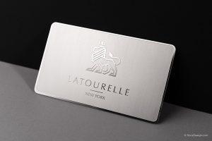 business card realizzata con un materiale speciale